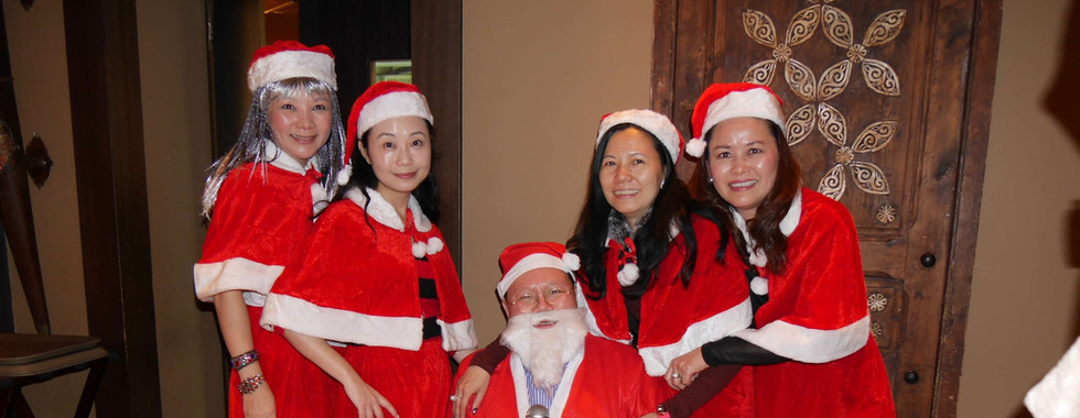 Xmas party-88 Santa.jpg