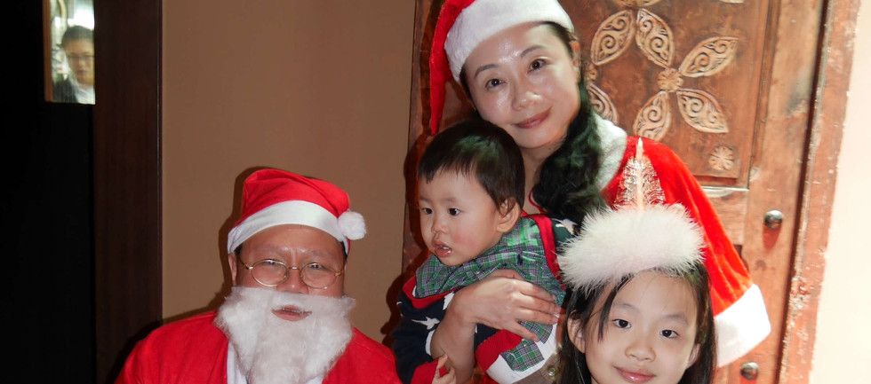 Xmas party-78 Santa.jpg