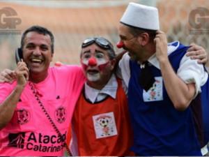 Pacaembu recebe partida de futebol inusitada