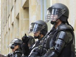 Como o politicamente correto influenciou o declínio da segurança pública no país.