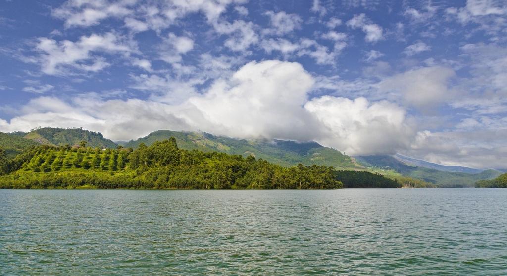 Munnar Lake_AHP2847