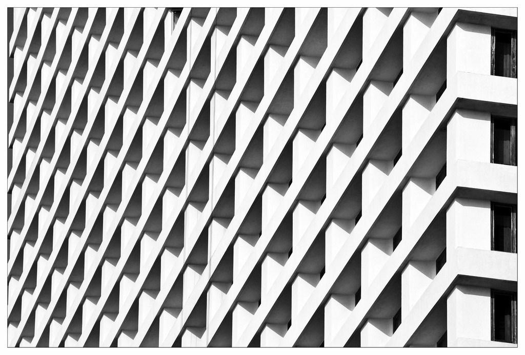 Trident Hotel Pattern 6-DSC0021-2006