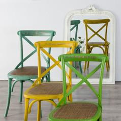 sillas aspas multicolor.jpg