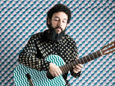 Pedro Mann junta intimismo, MPB, cordas e sopros em novo disco