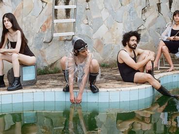 "Tarda lança seu primeiro disco, ""Futuro"""