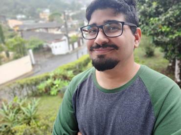 "Conheça: Daniel Pandeló Correa e a poesia musicalizada do ""suburbiapunk"""