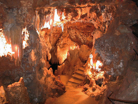 Explore the prehistoric caves and grottos of the Côte d'Azur