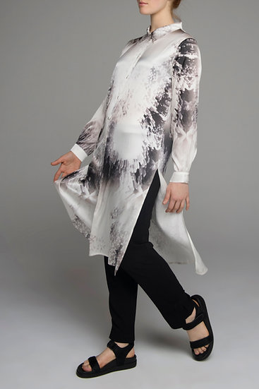 "The Power of Grey ""Cubist"" print long shirt with side splits"