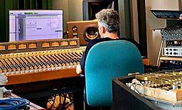 Nick Littlemore at Electric Avenue Studi
