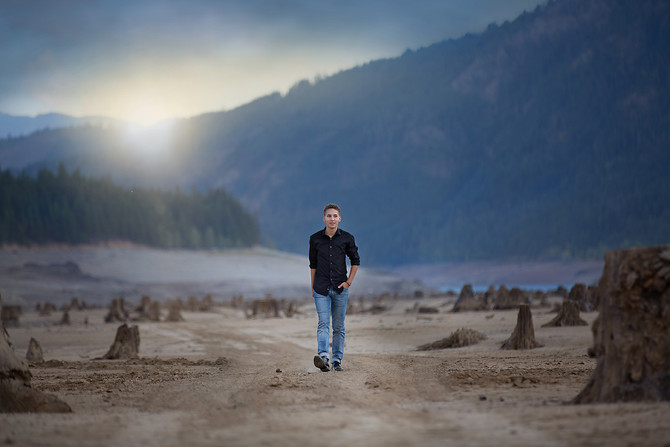 Senior Session At Cle Elum Lake | Bellevue Senior Photographer