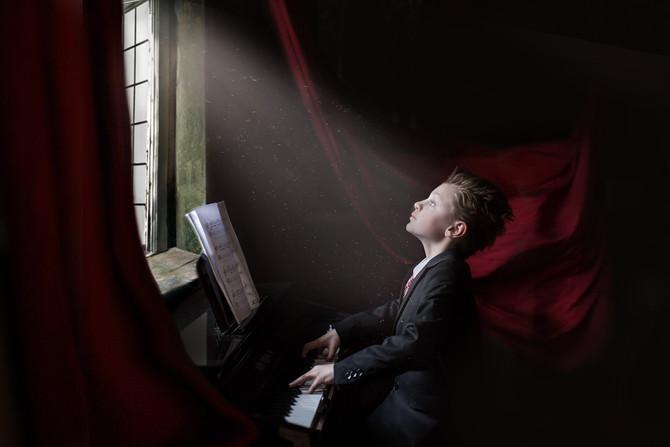 {Auburn, WA Child Photographer}/ Maestro