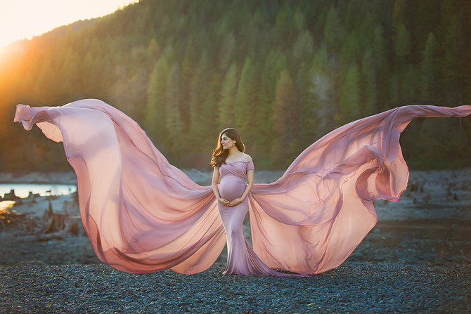 Fall Maternity Session At Rattlesnake Lake | Bellevue Maternity Photographer