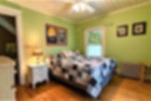 Bedroom_L.jpg