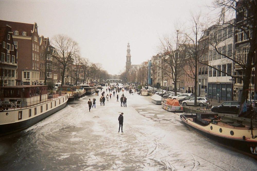 Hiver 2017, les canaux gelés à Amsterdam