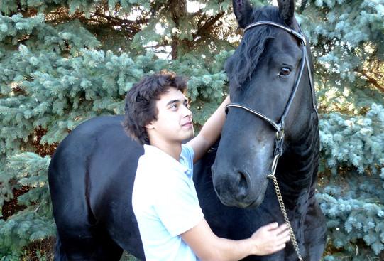 Tristan looking at Daario.jpg