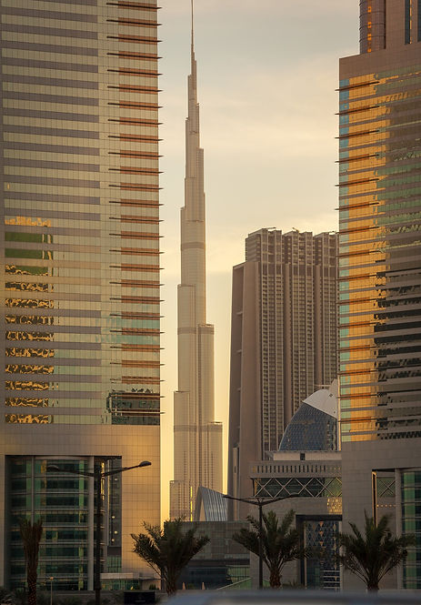 dubai-highrise-in-the-sunrise-with-gold-