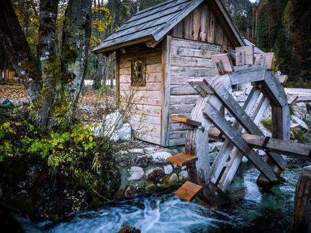 Water wheel along the trek