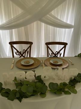 sweetheart table.JPEG