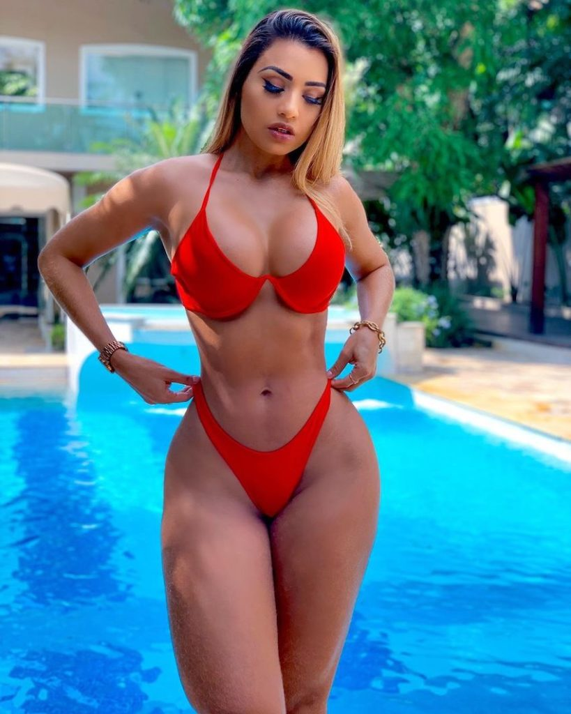 Isabelle Araujo AM Manaus Bella - biquin