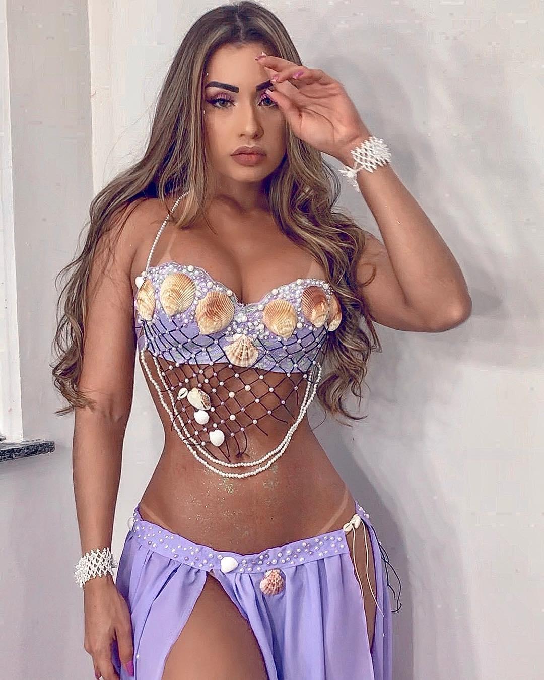 Isabelle Araujo AM Manaus Bella - saia i