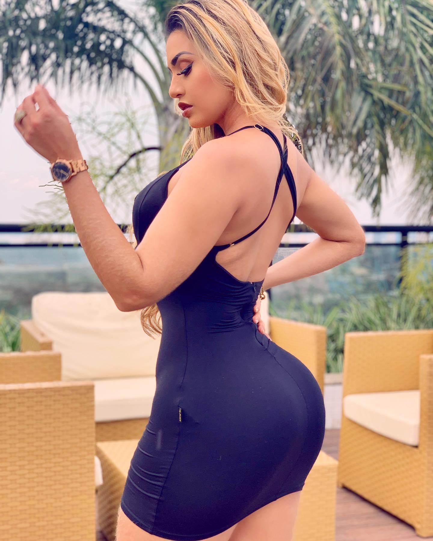 Isabelle Araujo AM Manaus Bella -  SOFA