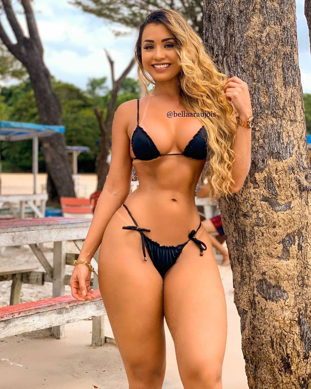 Revista - Isabelle Araujo AM Manaus Mode