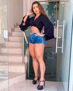 Isabelle Araujo AM Manaus Bella -  escad