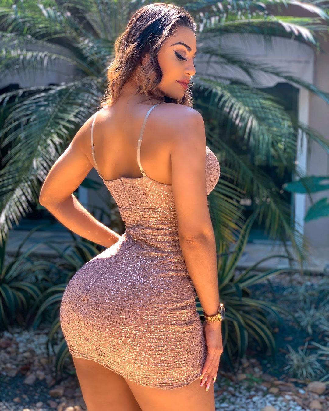 Isabelle Araujo AM Manaus Bella -  bumb