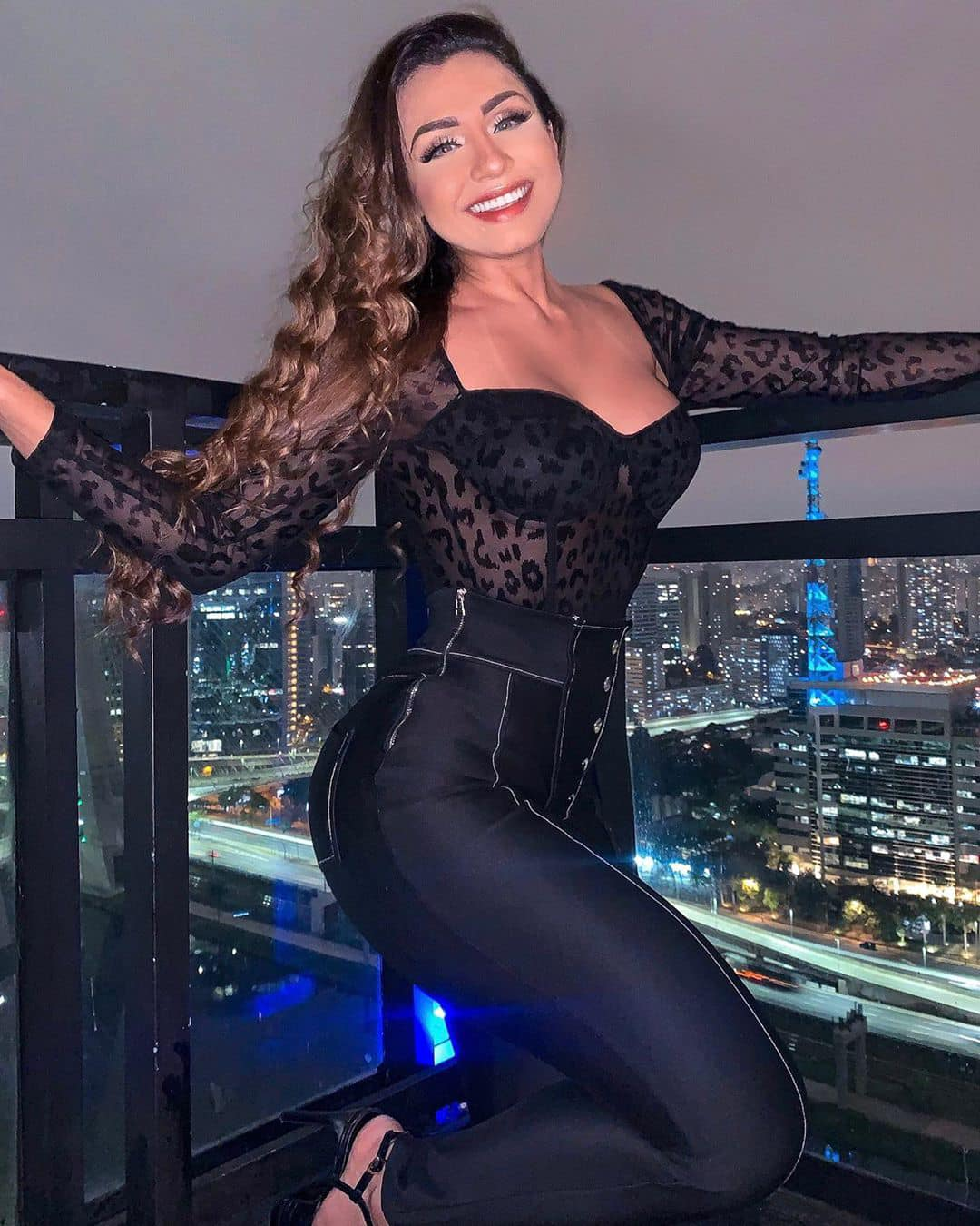 Isabelle Araujo AM Manaus Bella -  seg p