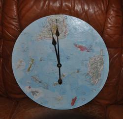 """Pendule """"Quelle heure est-îles ?"""""""