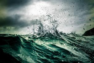 Peaking Waves.JPG
