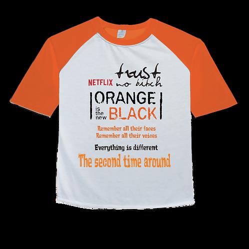 Camiseta Orange Is The New Black 2017 - Raglan