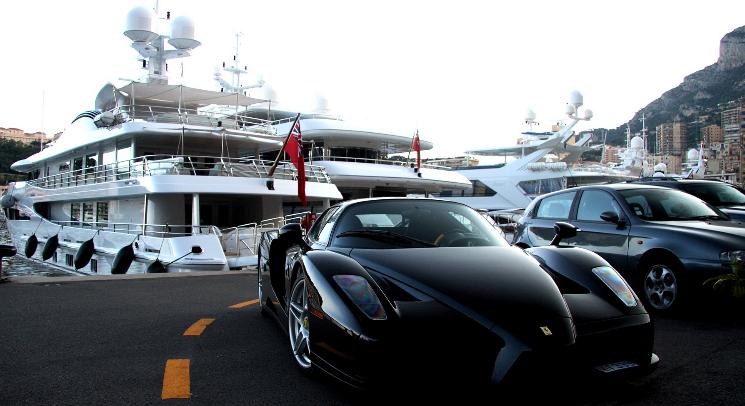 cars-monaco-parking-yachts-ferrari-enzo-