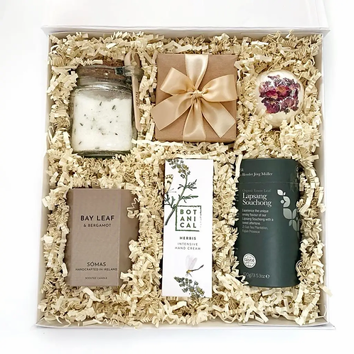 Gift Box Hamper Delivery Ireland with tea candle chocolate bath bomb