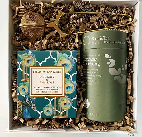 Tea Lover Gift Box for a friend with a Earl Gray Tea Candle, Solaris black tea, gold stylish tea strainer