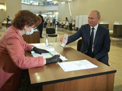 Da nova guerra fria à Sputnik V: o discurso de Putin