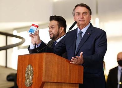 Jair Bolsonaro: tudo agora é pandemia, tem que acabar com esse negócio