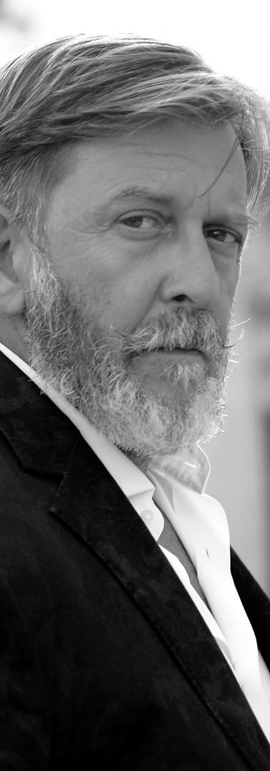 Pietro Genuardi (as Riccardo)
