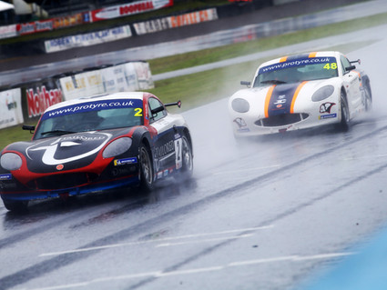Challenging GT5 weekend for Richardson Racing at Knockhill