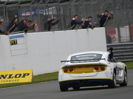 Double win and points lead for Richardson Racing at Donington Park
