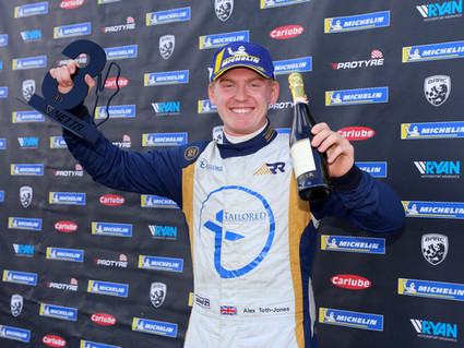 Richardson Racing impress with podium in GT5 finale