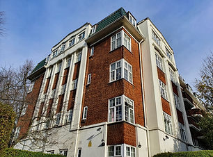 Block of flats in Hampstead.jpg