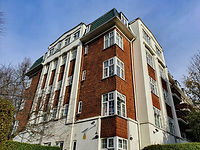 Block of flats in Hampstead.jpg