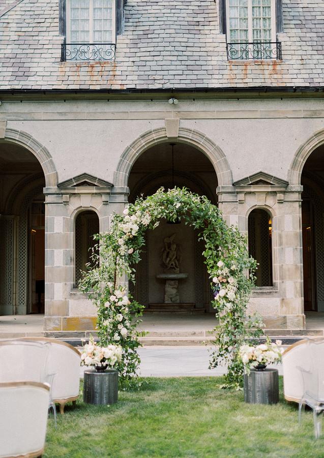 Summer Wedding Ceremony at Glen Manor House