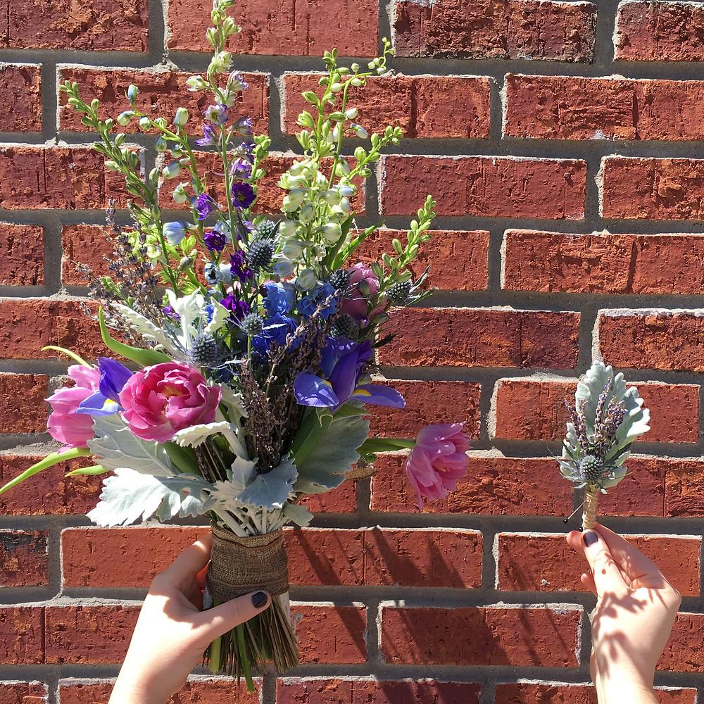 Early Flowershop Bridal Bouquet & Boutonniere