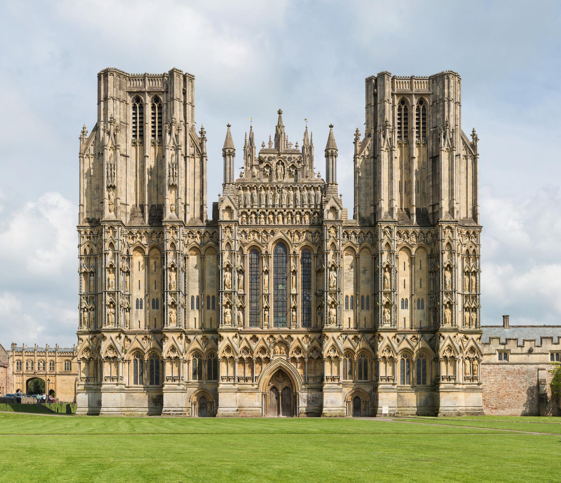 Wells – Cathedral, Vicars Close, Bishops Palace & Gardens