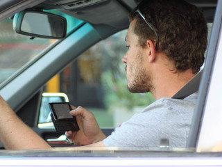 South Carolina Urges Drivers To Take Pledge During Distracted Driving Awareness Month