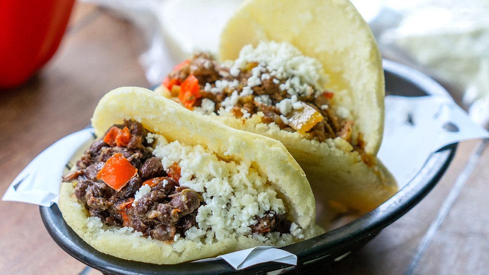 Arepa Kit Carne Mechada + Caraotas