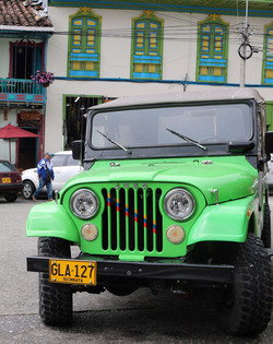 Voiture Willys ou Yipao