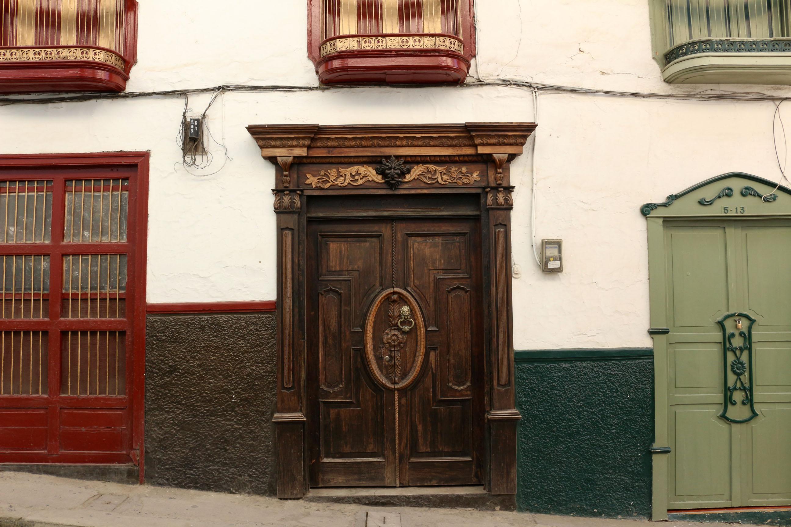 Les portes révèlent tout l'art